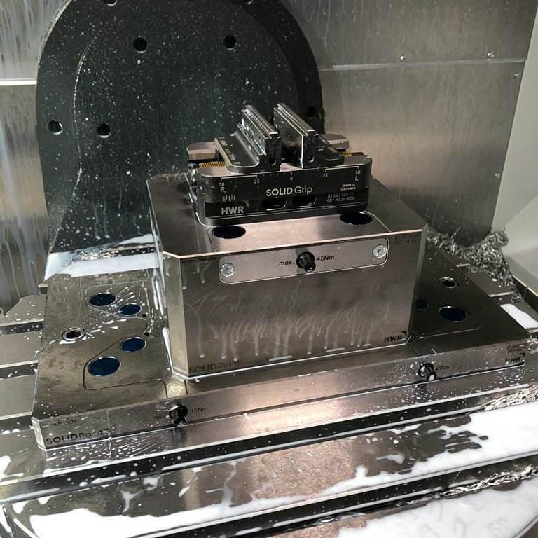 SolidGrip 5 Eksen Eş Merkezli Çift Açılır Cnc Freze Mengenesi